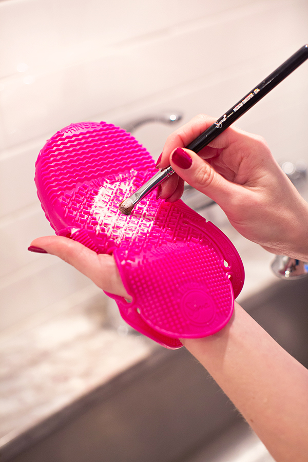 Use this ONE TRICK to get your makeup brushes super clean EVERY time!!