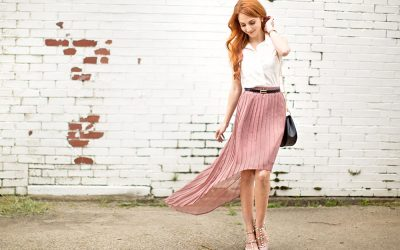 BLUSHING IN PLEATS